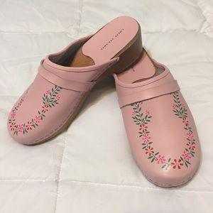 Pink flower painted Clogs